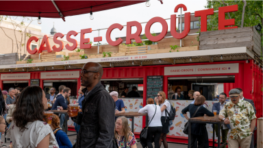 The Casse-Croûte and its bar at Jardins Gamelin